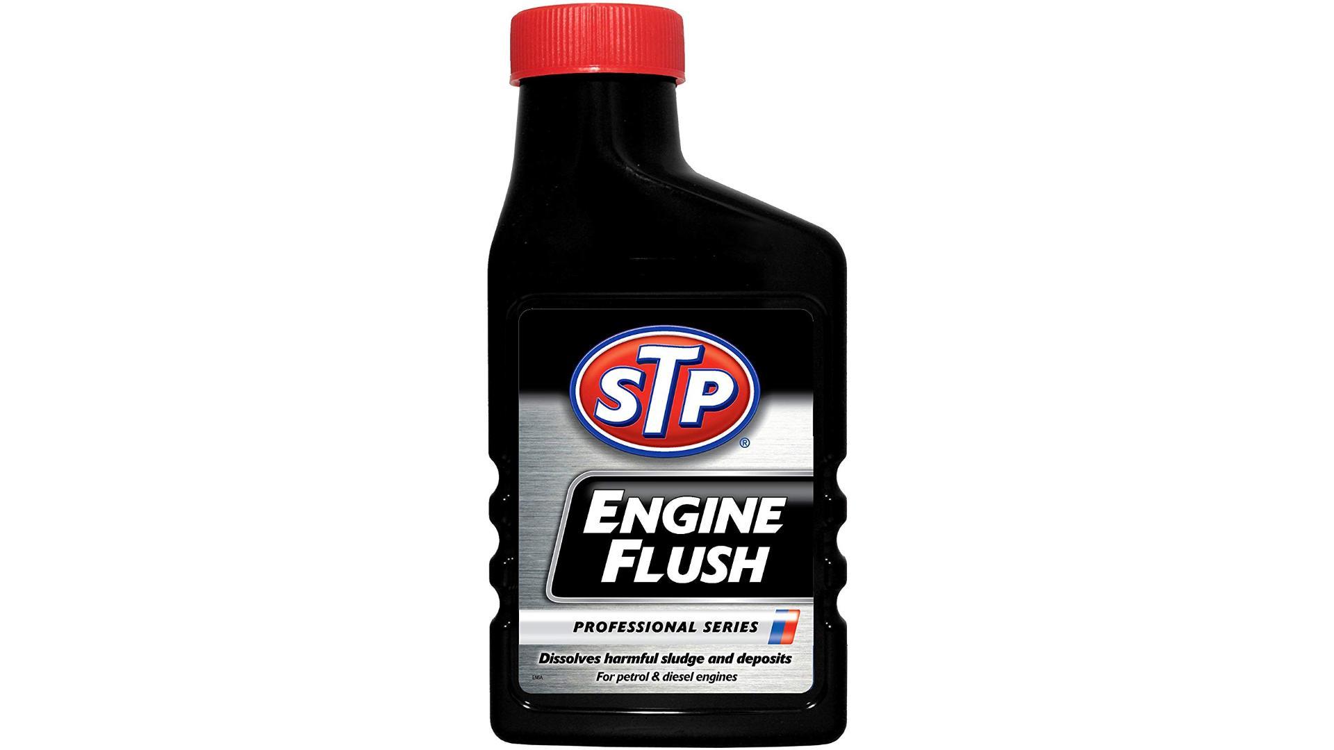 STP Prípravok na prečistenie motora 450ml